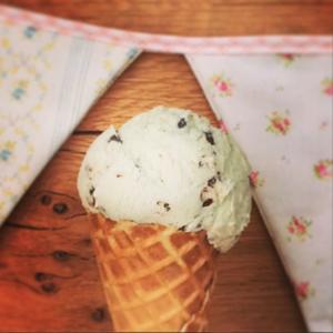 Vintage ice cream van hire for weddings